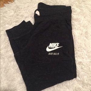 Nike joggers size XS